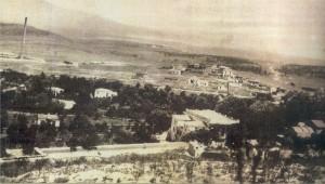 Μεγάλο τμήμα του Γαλατσίου προπολεμικά. Διακρίνονται η Αγία Γλυκερία, το ξενοδοχείο «Δροσιά», τα Περιβόλια, η Βεΐκου.
